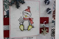 Weihnachtskarte Schneeflocken-Pinguin 2
